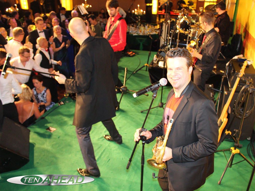 internationale liveband, showband, shanghai, tenahead